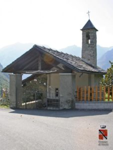 Cappella di San Grato nella frazione di Rovarey
